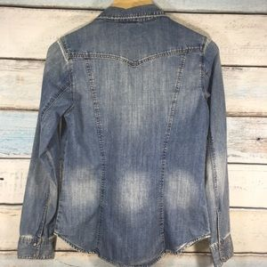 H&M Tops - H&M Jean top buttoned down size 8